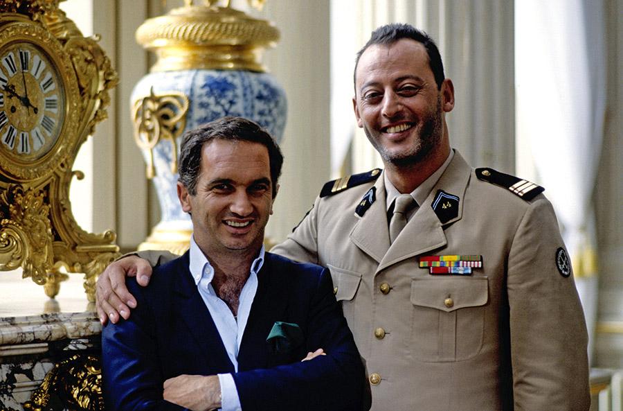Alain Terzian et Jean Reno sur le tournage de L'Opération Corned Beef (Jean-Marie Poiré, 1991) - © Gaumont