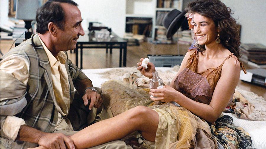 Claude Brasseur et Valérie Kaprisky dans La Gitane (Philippe de Broca, 1986) - © Alex Productions
