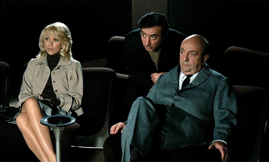 Mireille Darc, Robert Castel et Bernard Blier dans Le Grand Blond avec une chaussure noire (Yves Robert, 1972) - © Gaumont