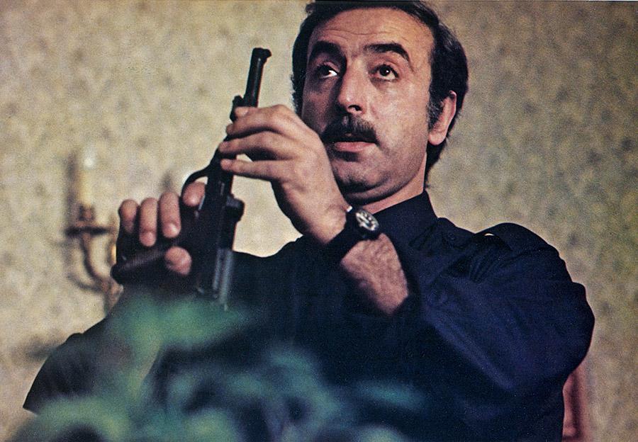 Robert Castel dans Elle court, elle court la banlieue (Gérard Pirès, 1972) - DR
