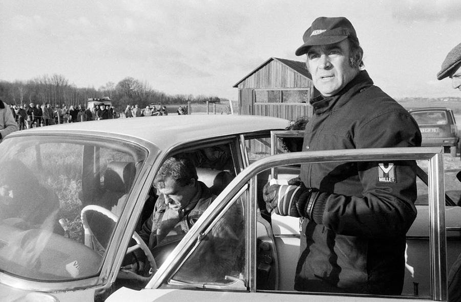 Rémy Julienne et Jean-Paul Belmondo sur le tournage du Guignolo de Georges Lautner à Épinay-sur-Seine en 1979 © Daniel Simon/Gamma-Rapho