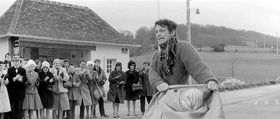 Jean-Paul Belmondo dans Un singe en hiver (Henri Verneuil, 1962) - © Gaumont