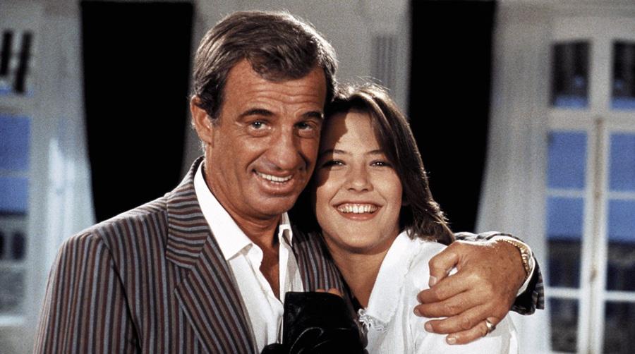 Jean-Paul Belmondo et Sophie Marceau dans Joyeuses Pâques (Georges Lautner, 1984) - © StudioCanal