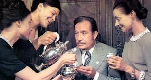 Angela Goodwin, Francesca Romana Coluzzi, Ugo Tognazzi et Milena Vukotic dans Venez donc prendre le café… chez nous ! (Alberto Lattuada, 1970)